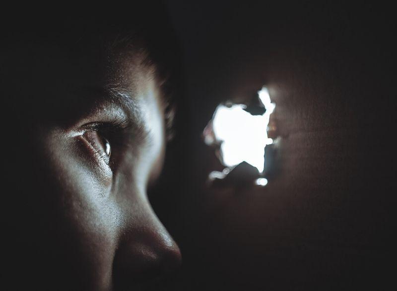 Angst vor Nähe kann zu Hilflosigkeit beim Partner führen
